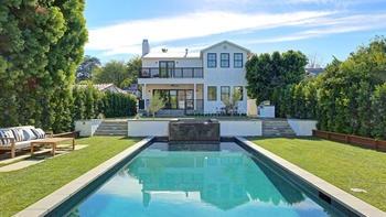 Look Joe Jonas' New Sherman Oaks Mansion