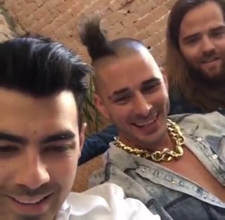 DNCE's Live Chat With MTV Netherlands