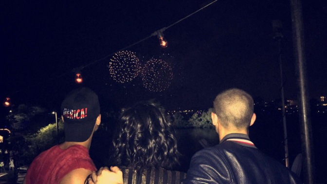 Joe and Nick Jonas, Demi lovato Hang Out on Fourth of July