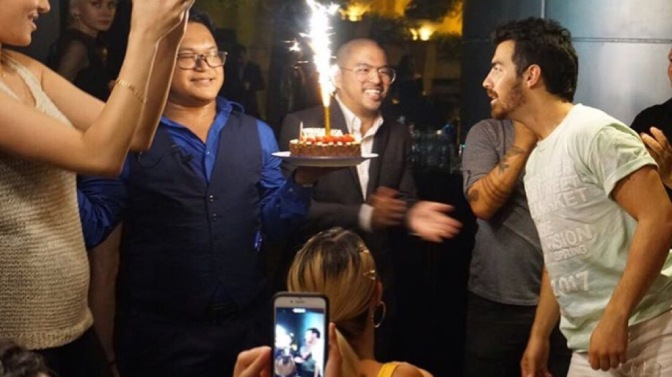 Joe Jonas Celebrates Birthday in Hong Kong!
