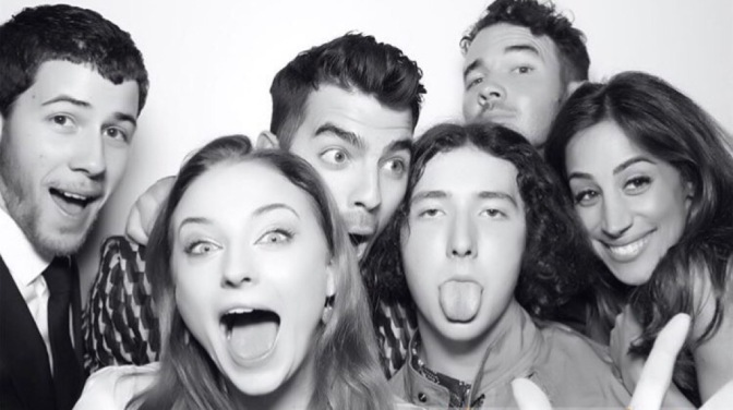 Joe Jonas and Sophie Turner Celebrate Engagement in New York!
