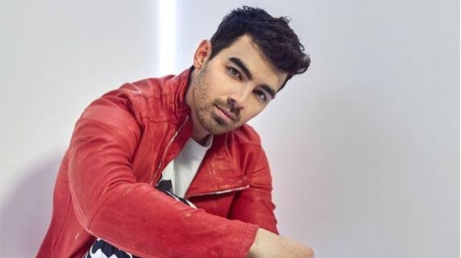 Joe Jonas Talks With E! News about Duets, K-Swiss and More